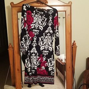 Black,cream with red Rose's dress 3/4 in sleeves